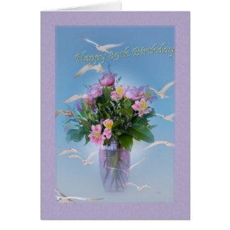 Anniversaire, quatre-vingt-dix-neuvième, fleurs et carte de vœux