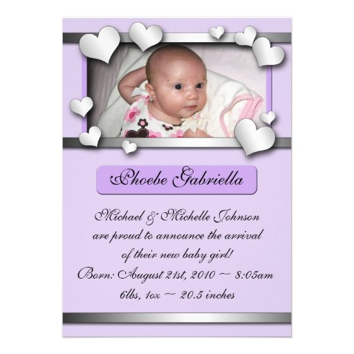 Annonces pourpres de naissance de coeurs de côté p invitations