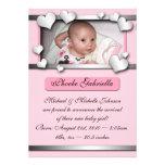 Annonces roses de naissance de coeurs de côté posi carton d'invitation