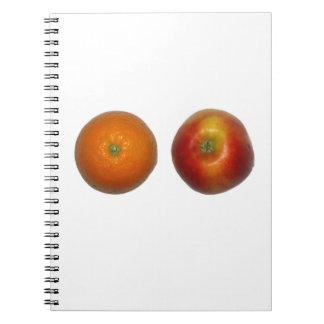 Apple et carnet orange