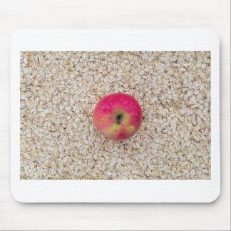 Apple sur la farine d'avoine tapis de souris