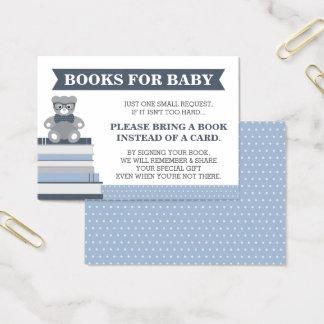 Apportez une carte de livre, petit homme, ours de