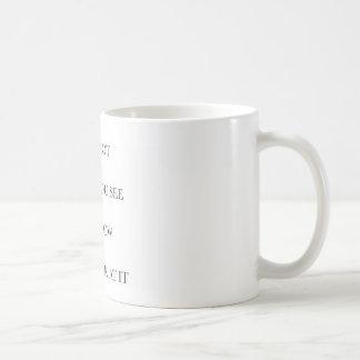 Apprenez à regarder au delà de l'évident mug blanc