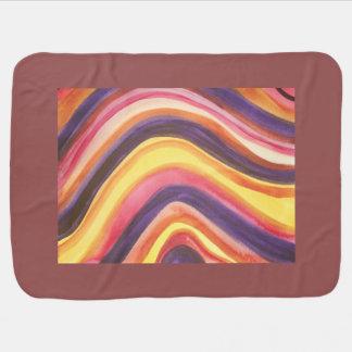 Aquarelle abstraite courbant des rayures couverture de bébé