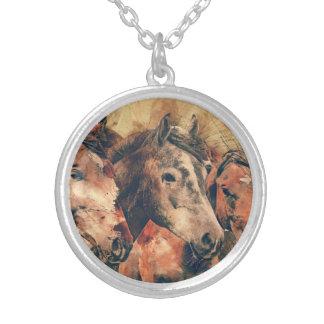 Aquarelle artistique de chevaux peignant collier
