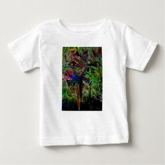 Aras dans le paradis tropical la nuit t-shirt pour bébé