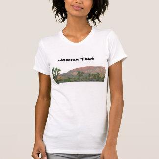 Arbre de Joshua au crépuscule T-shirt