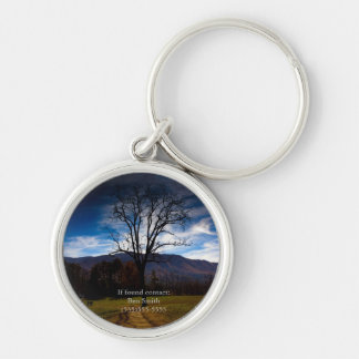 Arbre nu et ciel bleu en automne personnalisé porte-clés
