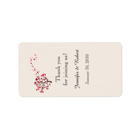 Arbre rouge de coeur sur l'étiquette en ivoire de étiquettes d'adresse