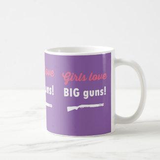 Armes à feu d'amour de filles GRANDES Mug