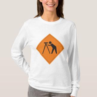 Arpenteur au T-shirt des femmes de Long-Douille de
