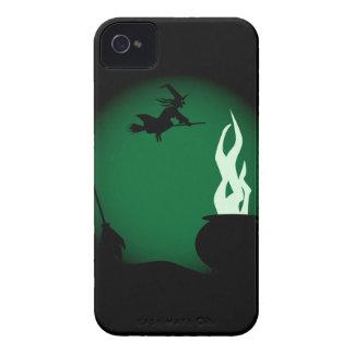 Arrière - plan d'affiche de sorcière de Halloween Coque iPhone 4
