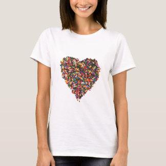 Arrose le T-shirt des femmes de coeur