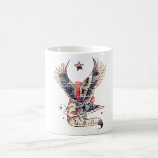 Art de tatouage d'aigle de l'Amérique Mug