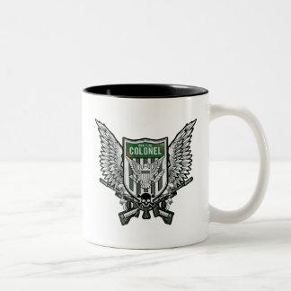 Art de tatouage de crête à ailes par drapeau du tasse 2 couleurs