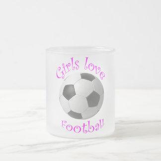 Art du football d'amour de filles tasse givré