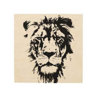 Art en bois de mur avec un lion noir et blanc