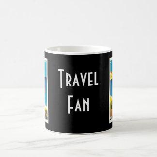 Art vintage de voyage de la plage De Calvi France  Mugs