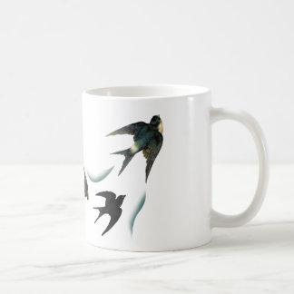 Art vintage d'oiseaux d'hirondelle mug blanc