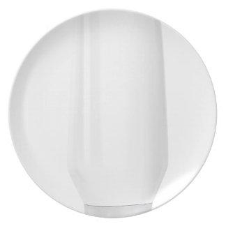 Assiette Bouteille blanche vide pour les produits