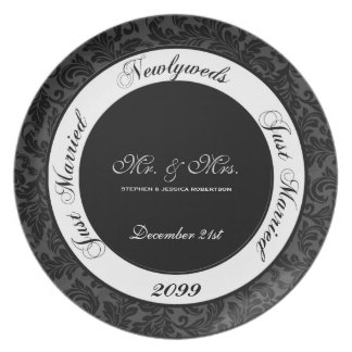 Assiette Damassé noire et blanche de souvenir de mariage