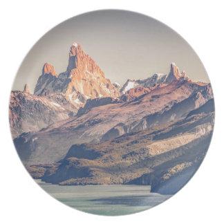 Assiette Fitz Roy et Patagonia de montagnes de Poincenot