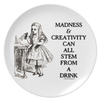Assiette La folie et la créativité peuvent tout provenir