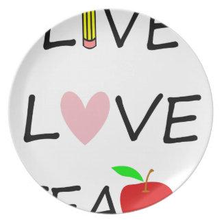 Assiette l'amour vivant enseignent