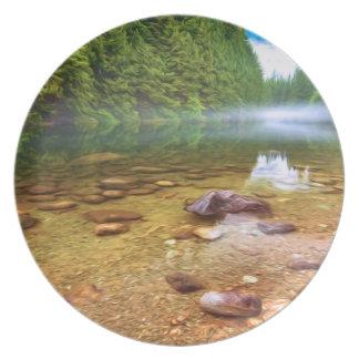Assiette Le long des rivages du lac Alouette sur un calme