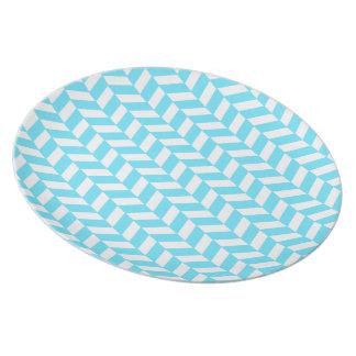 Assiette Motif bleu lumineux blanc en arête de poisson de