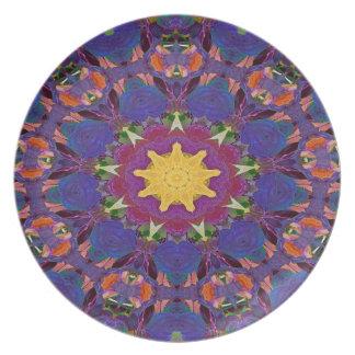 Assiette Motif pourpre de rayonnement d'art abstrait