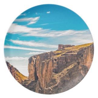 Assiette Paysage de Patagonia de montagnes rocheuses -