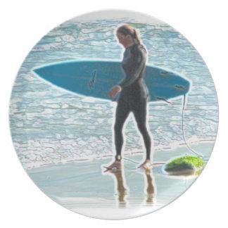 Assiette Petite fille de surfer