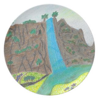 Assiette Plat pittoresque ensoleillé de falaise d'automnes