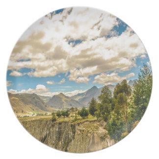 Assiette Vallée et montagnes Latacunga Equateur de chaîne