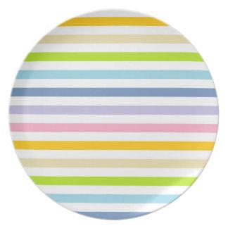 Assiettes En Mélamine Arc-en-ciel en pastel et rayures blanches