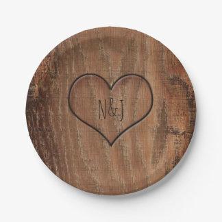 Assiettes En Papier Arbre en bois découpé dans des plats rustiques de