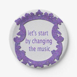 Assiettes En Papier commençons par changer la musique