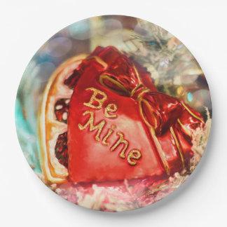 Assiettes En Papier Le coeur vintage antique de Valentine en rouge
