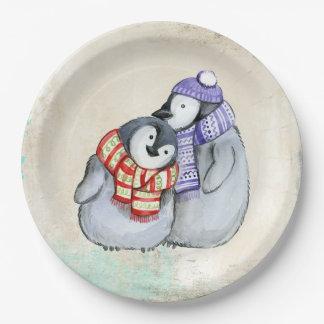 Assiettes En Papier Pingouins mignons dans des écharpes et des