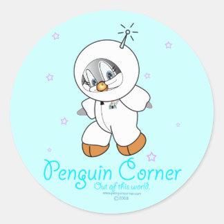 Astronaute de pingouin de penny sticker rond