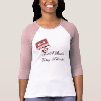 Attachez du ruban adhésif au T-shirt de ruban
