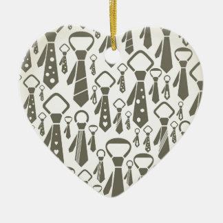 Attachez un arrière - plan ornement cœur en céramique