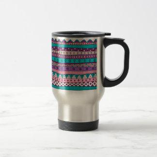 Attaquez avec l'ornement tribal, style indien de mug de voyage