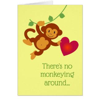 Aucun Monkeying autour la carte de Valentine