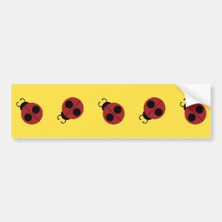 Autocollant De Voiture Coccinelle rouge mignonne sur le motif jaune