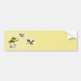 Autocollant De Voiture Grenouille chassant la libellule