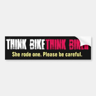 Autocollant De Voiture Pensez le vélo qu'elle est monté
