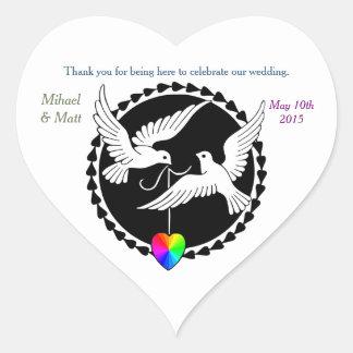 Autocollant gai de coeur de colombes d'amour de