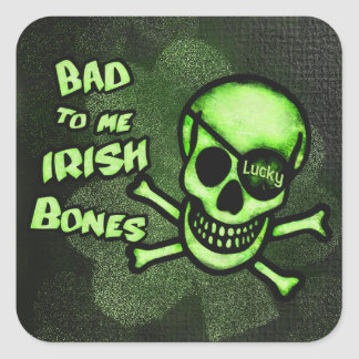 Autocollant irlandais de crâne de pirate du jour